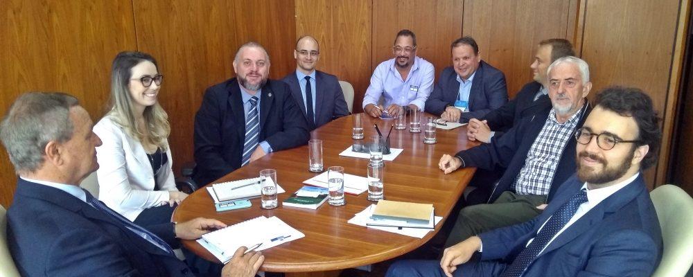 ACEF participa de encontro promovido pelo CONFEA